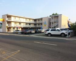 Bay Breeze Motel