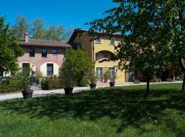 Quattrocolli B&B, Quattro Castella (San Polo d'Enza in Caviano yakınında)