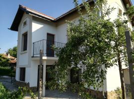 Popovi Koshari Guest house, Dolno Panicherevo (Nova Zagora yakınında)
