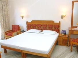 Hotel Safari Venjaramood, Venjāramūdu (рядом с городом Nilamel)