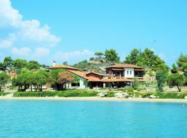 Villa Beyond Paradise, Никити (рядом с городом Вурвуру)