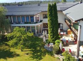 Hotel garni Landhaus Servus, Velden am Wörthersee