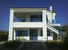 Nestor Surf House, Ayía Kiriakí (рядом с городом Filiatra)