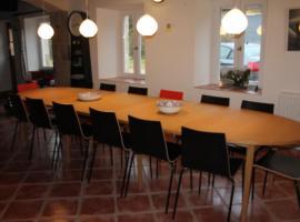 les Chouettes - gite for 15 people, Saint-Maigner