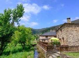 Casas da Lexa, Taramundi (Cerca de A Pontenova)