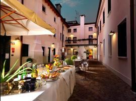 Hotel & Residence Roma, Camposampiero (Loreggia yakınında)