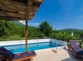 Villa Dalmatian Gem, Груда