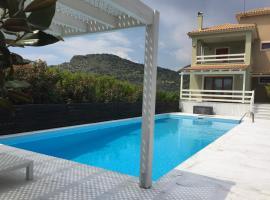 Villa Glyfada, Glyfada Fokidas (рядом с городом Trizonía)