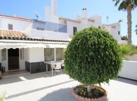 Large 3 bedroom 2 bathroom house in Villamartin, San Miguel de Salinas