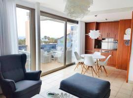 Sea View Reformed & Modernised 2 Bedroom Apartment, Гандиа