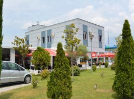 Hotel Alpet, Rinas (Qerek yakınında)