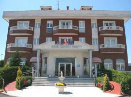 Hotel Camino Real, Аркауэха (рядом с городом Villaturiel)