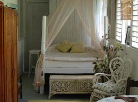 Charming Old World Apartment, Bridgetown (Hastings yakınında)