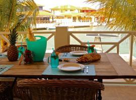 Caribbean Lofts Bonaire, Kralendijk (Dorp Tera Kora yakınında)