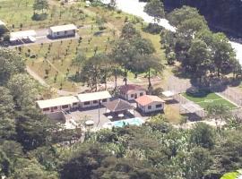 Villa Hermosa, Coroico (Pacollo yakınında)