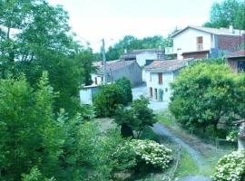 House Les rives de la durenque, Noailhac (рядом с городом Cambounès)