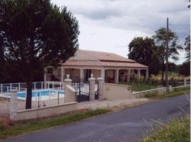 House La casse et l'hermitage, Ambres (рядом с городом Fiac)