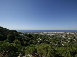 Apto Mestral. 6 pax con piscina y vistas al mar, Cabrils (Cabrera de Mar yakınında)