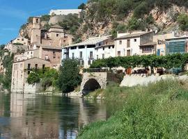 Casa Petita Townhouse, Miravet (Rasquera yakınında)