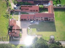 Woodlands Holiday Homes, South Clifton (рядом с городом Dunham)