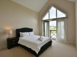 4 Bedroom waterfront condo, Blue Mountains (Near Thornbury)