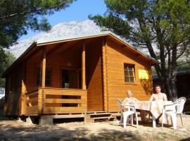 Victoria Cottage Camping Dole, Blato