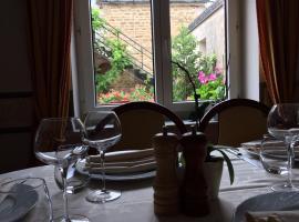 Hôtel Restaurant Le Dauphin, Saint-Pierre-des-Nids