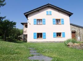 Blue House, Urtx (Escardacs yakınında)
