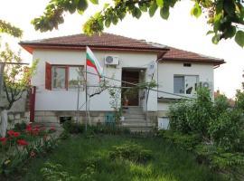 Guesthouse in Ivanovo, Ivanovo (Dve Mogili yakınında)