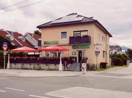 Charly's Auwirt, Salzburg