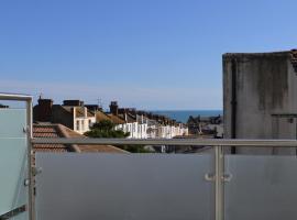 Edward Street Balcony Apartment