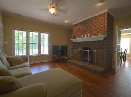 Enchanting Private Home - Bashford Road, Raleigh (in de buurt van Asbury)