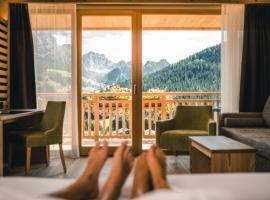 Dolasilla Mountain Panoramic Wellness Hotel, La Villa