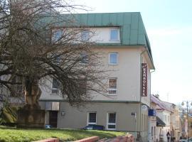 Hotel Rambousek, Nové Město nad Metují (Slavoňov yakınında)