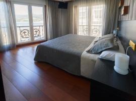 Hotel Areas III Playa, Viveiro (Covas yakınında)