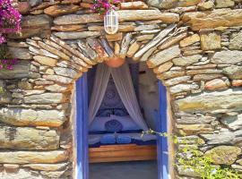 Nature's Way Apartment: Authentic & Eco-friendly, Андрос (рядом с городом Makrotándalon)