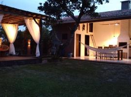 Casa de Veraneio Paraíso Praia do Ervino, São Francisco do Sul (Balneario Barra do Sul yakınında)