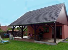 Charming Holiday House, Zruč nad Sázavou (Dolní Kralovice yakınında)