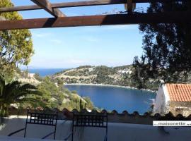 Amoni Sea View Maisonette, Korfos (рядом с городом Nisís Evraíos)