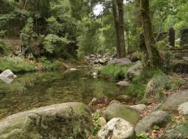Casa Bosque Piscinas Naturales, Aldeavella (Goltar yakınında)