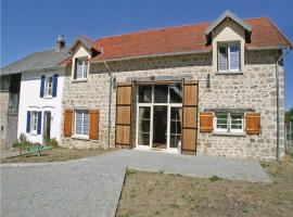 Eight-Bedroom Holiday Home in Saint Dizier Leyrenne, Saint-Dizier-Leyrenne (Near Bénévent-l'Abbaye)