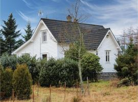 Four-Bedroom Holiday Home in Rossland, Rossland