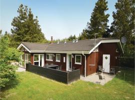 Holiday Home Brovst with a Fireplace 03, Brovst (Bratbjerg yakınında)