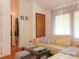 Three-Bedroom Apartment in Zagreb, Загреб (рядом с городом Granešina)