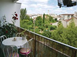 Two-Bedroom Apartment in Perigueux, Периго (рядом с городом Coulounieix-Chamiers)