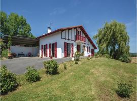 Four-Bedroom Holiday Home in Beguios, Béguios (рядом с городом Méharin)