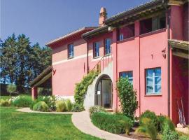 Eight-Bedroom Holiday Home in Marsciano -PG-, San Biagio della Valle (Spina yakınında)