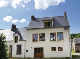 Three-Bedroom Holiday Home in Guern, Guern (рядом с городом Quelven)