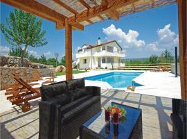Five-Bedroom Holiday home Grubine with a Fireplace 05, Grubine (рядом с городом Ivanbegovina)