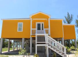 Mango Beach House, Cherokee Sound (Sandy Point yakınında)